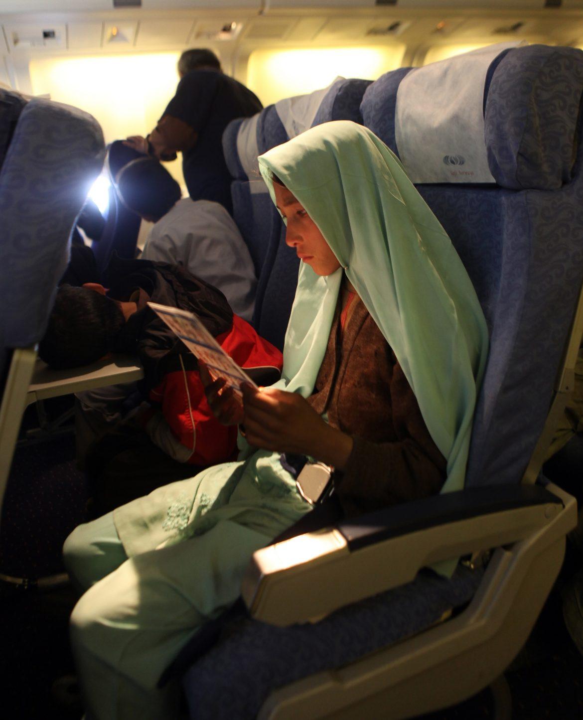 アフガニスタン方面への援助飛行