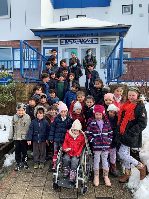 アフガニスタンと中央アジアの子どもたちへの援助