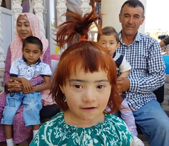 タジキスタンの子どもたちへの援助