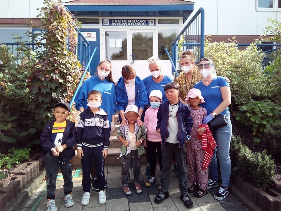 ウズベキスタンの子どもたちへの援助
